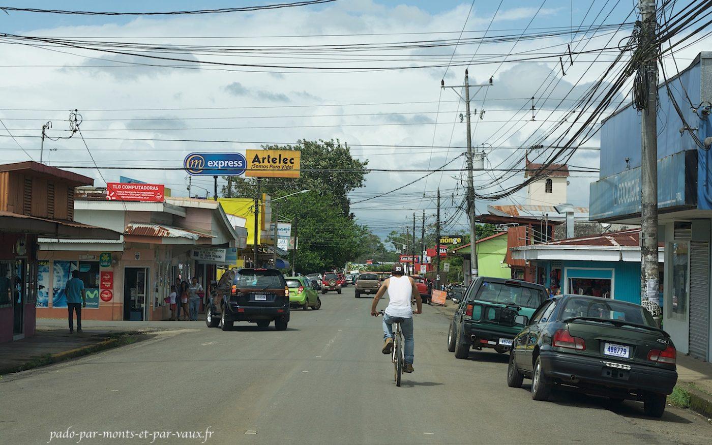 Direction de Pital - village