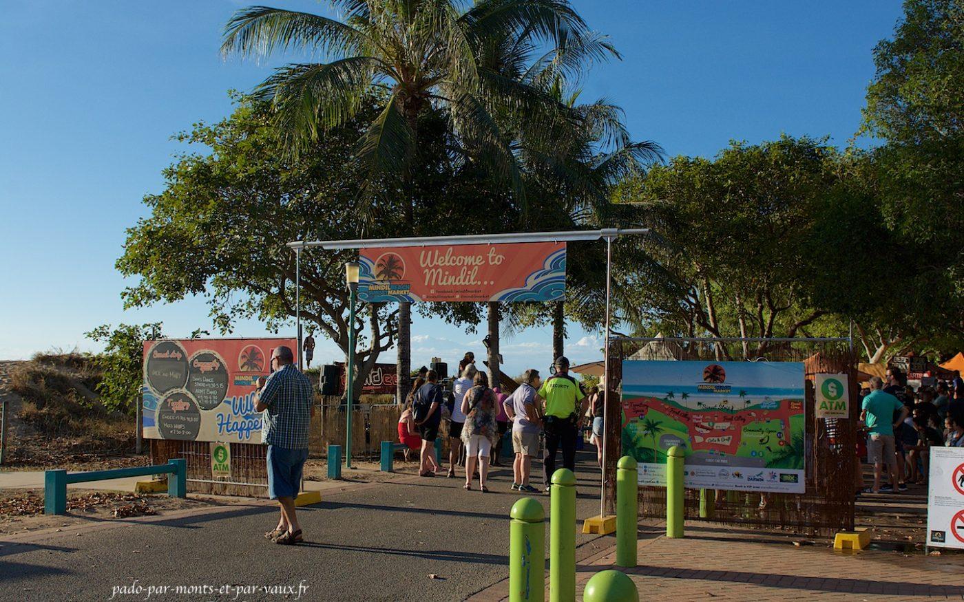 Mindil beach sunset market