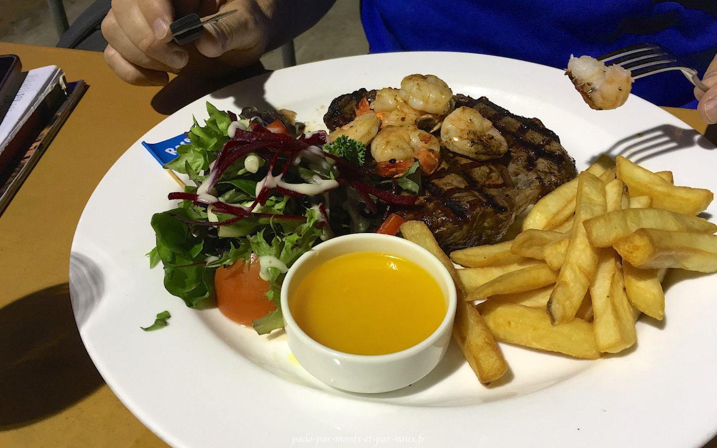 Steak aux crevettes