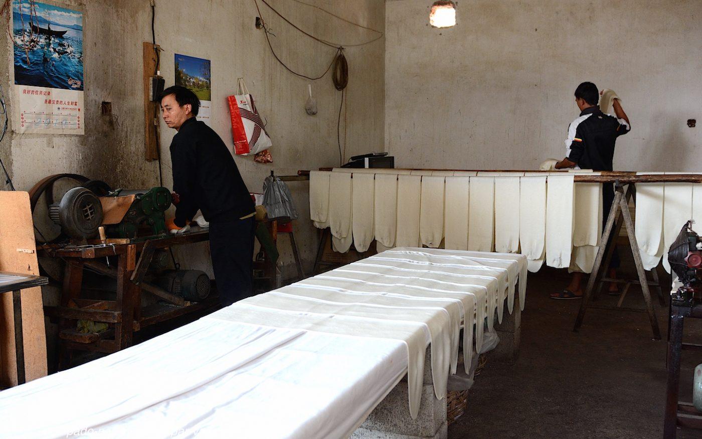 village de Xizhou - fabrique de nouilles de riz