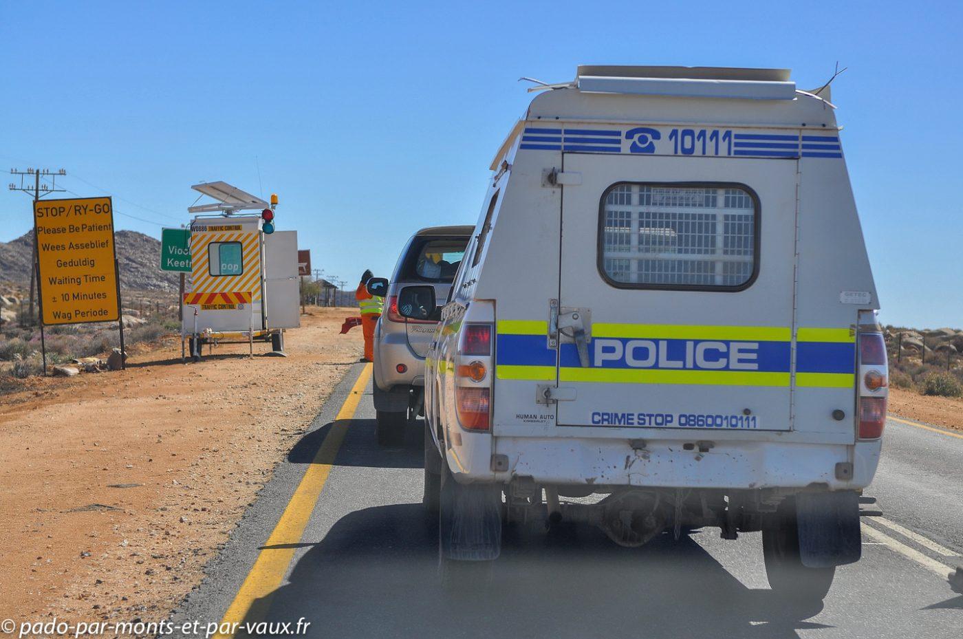 travaux sur la route de la Namibie