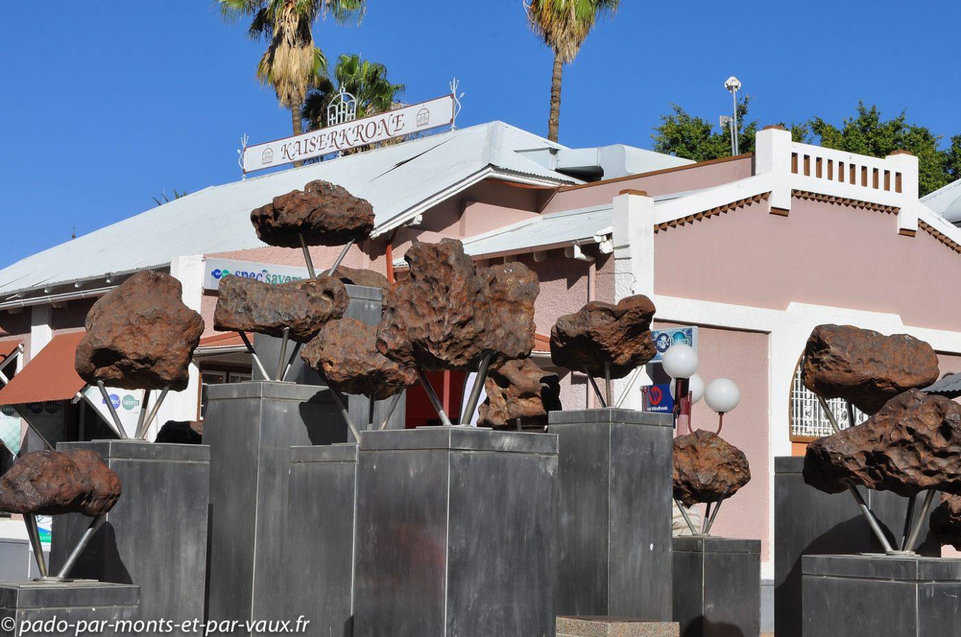 Windhoek - fontaine aux météorites