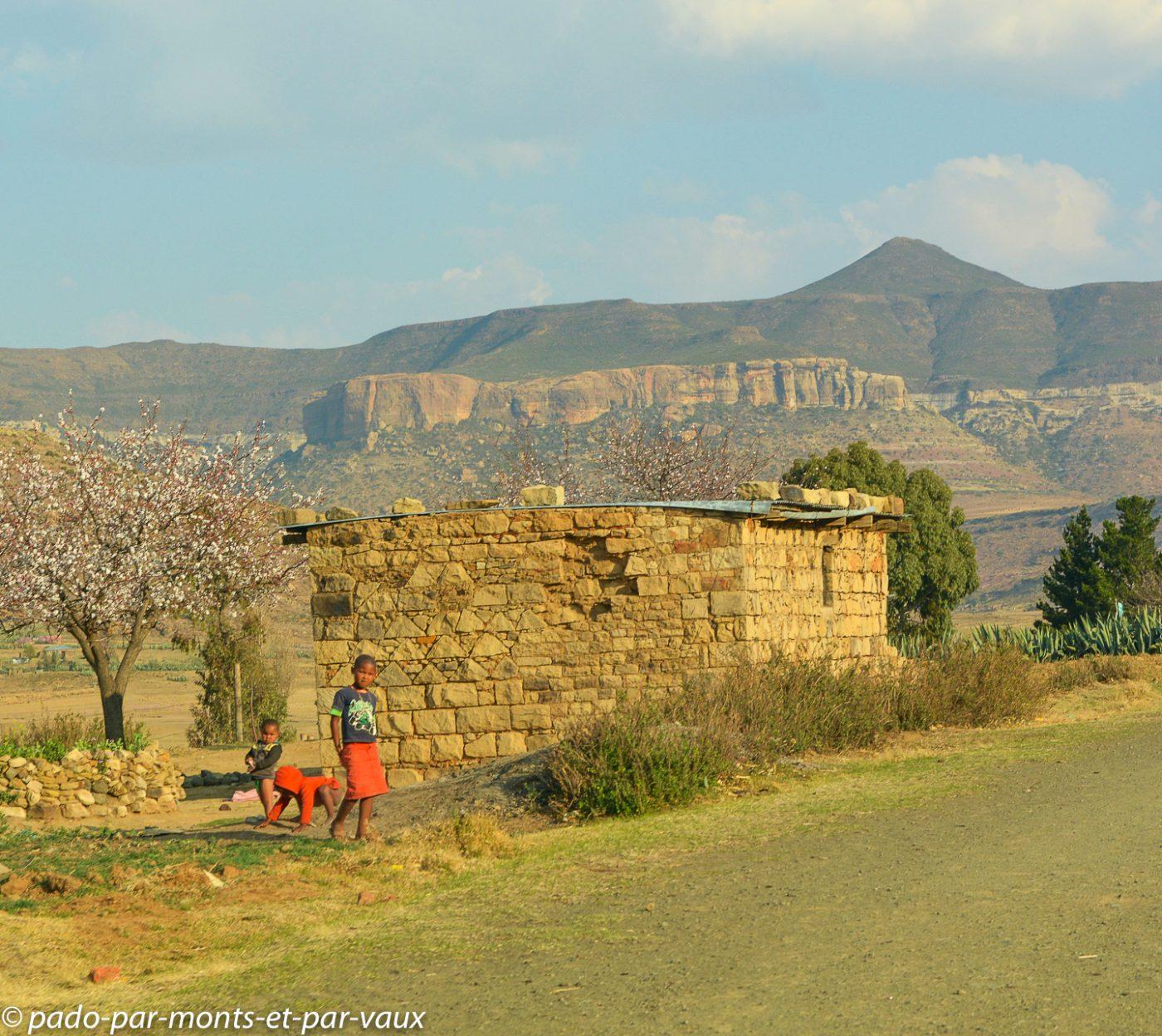 Lesotho - piste vers Malealea