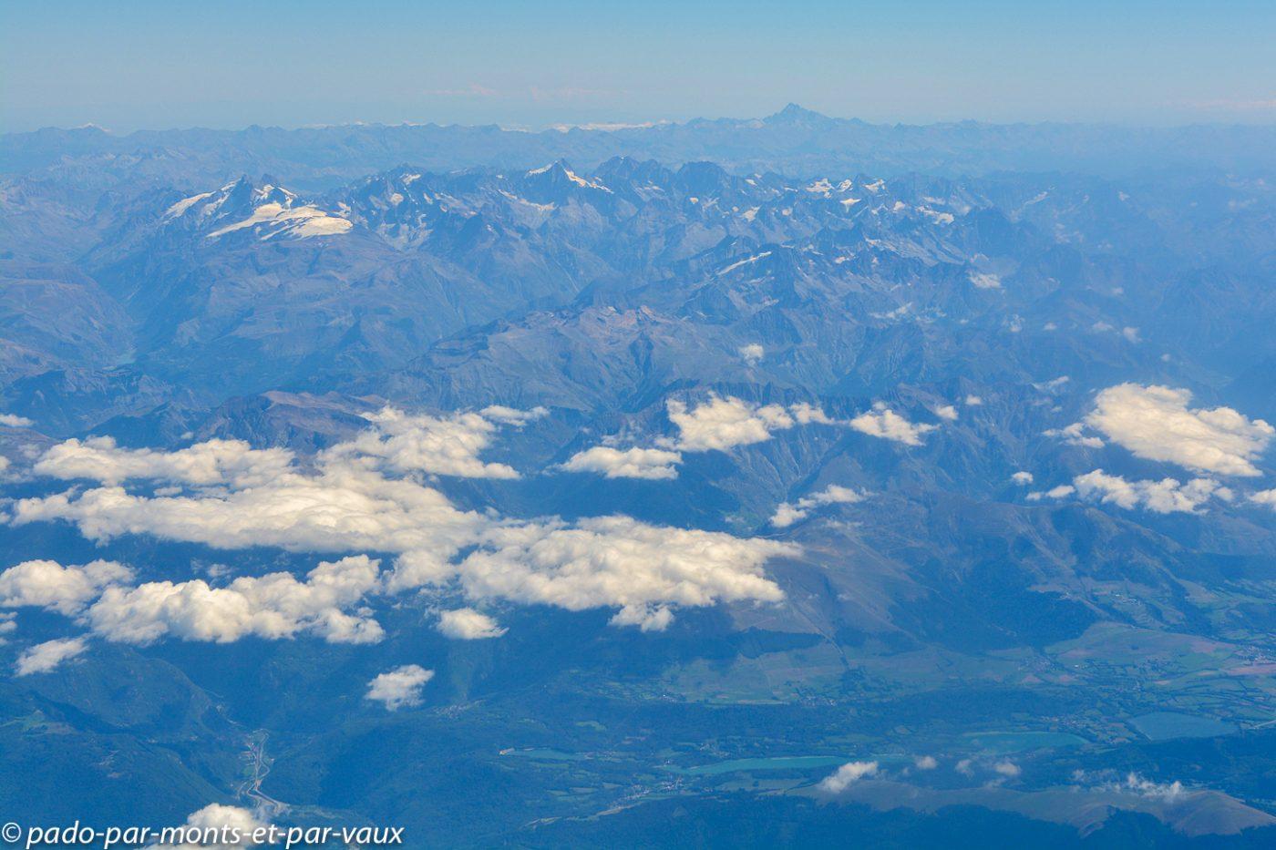 Survol des Alpes