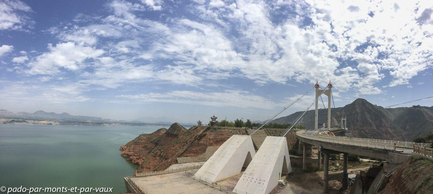 Route vers le lac de Liujiaxia