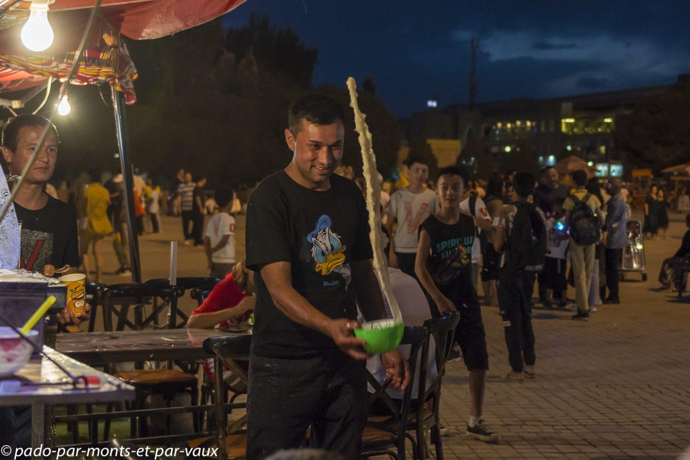 Kashgar  vendeur de dogh