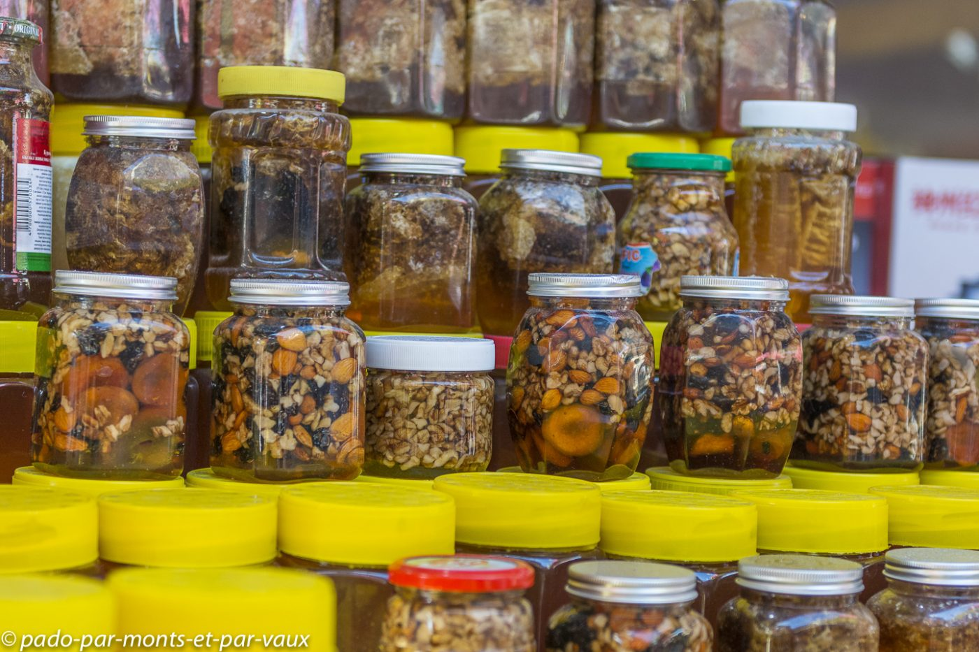 miels avec des fruits secs