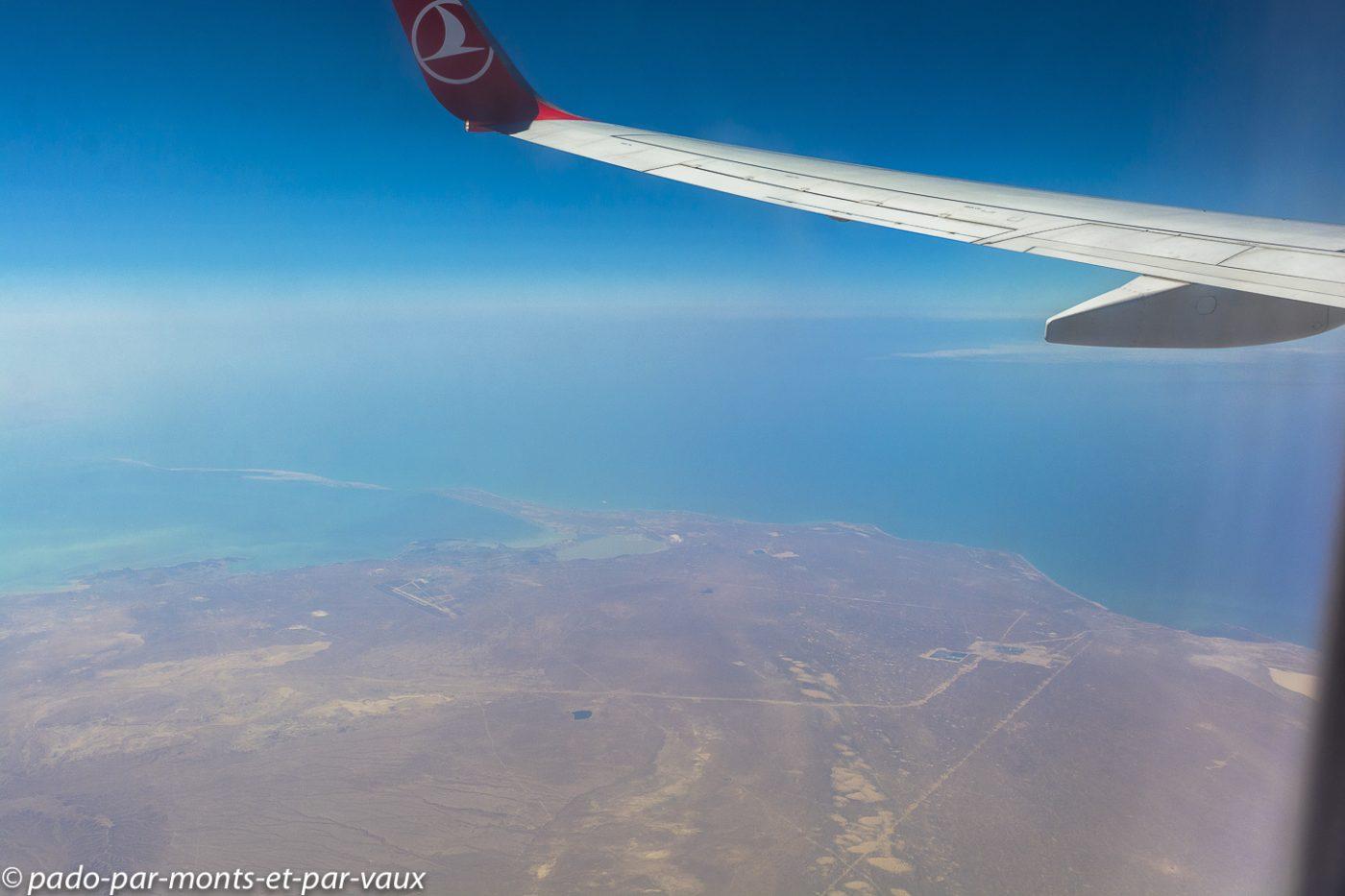 Vol Bichkek - Istanbul - mer Caspienne