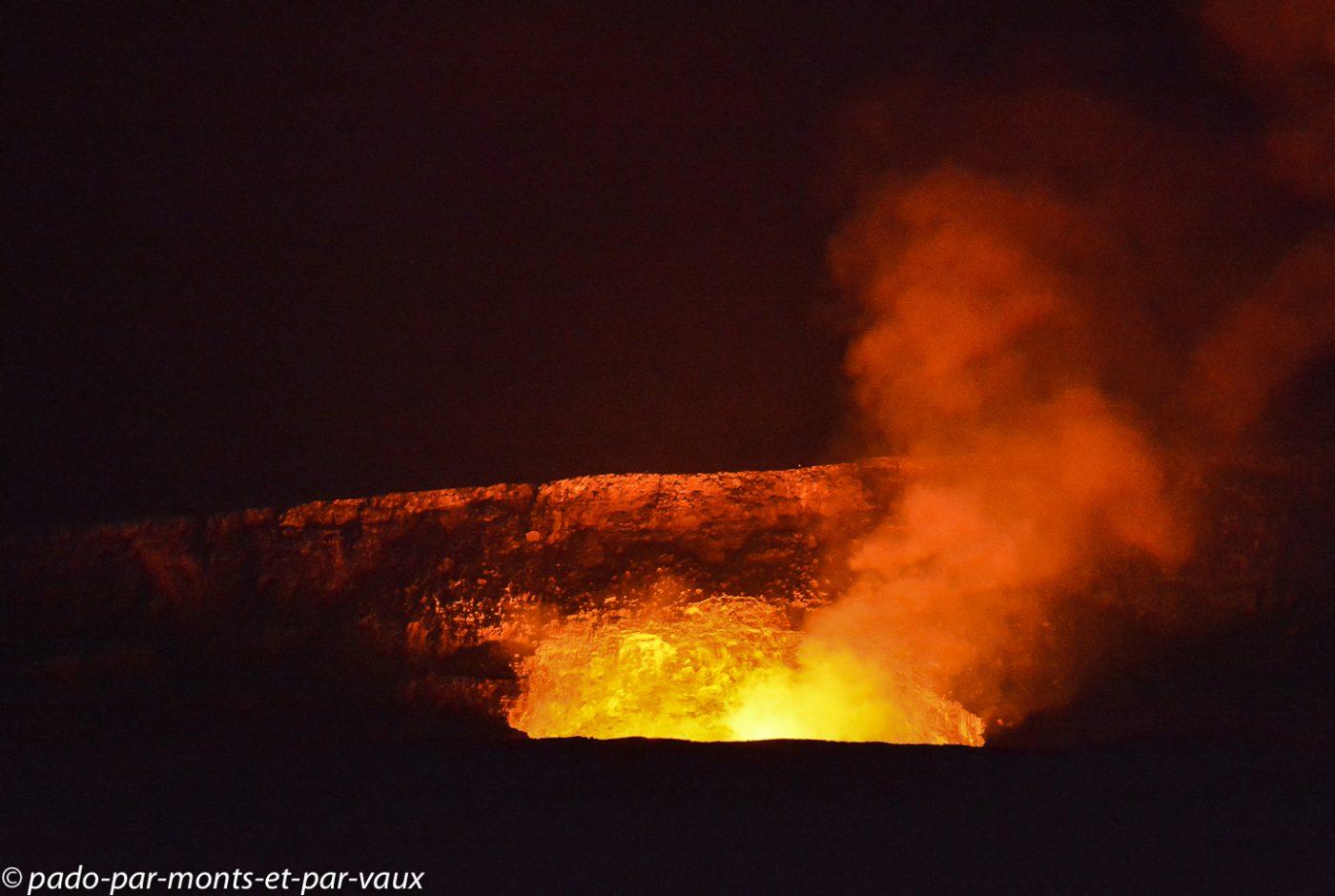 Big Island - Parc des volcans - Halema'uma'u crater
