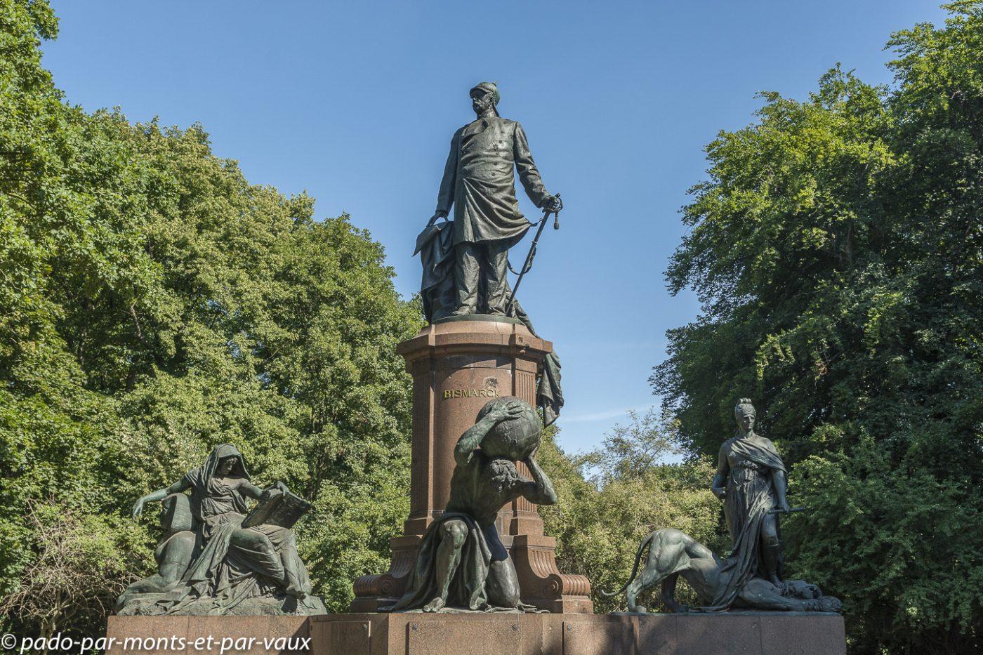 Berlin Tiergarten- statue de Bismarck