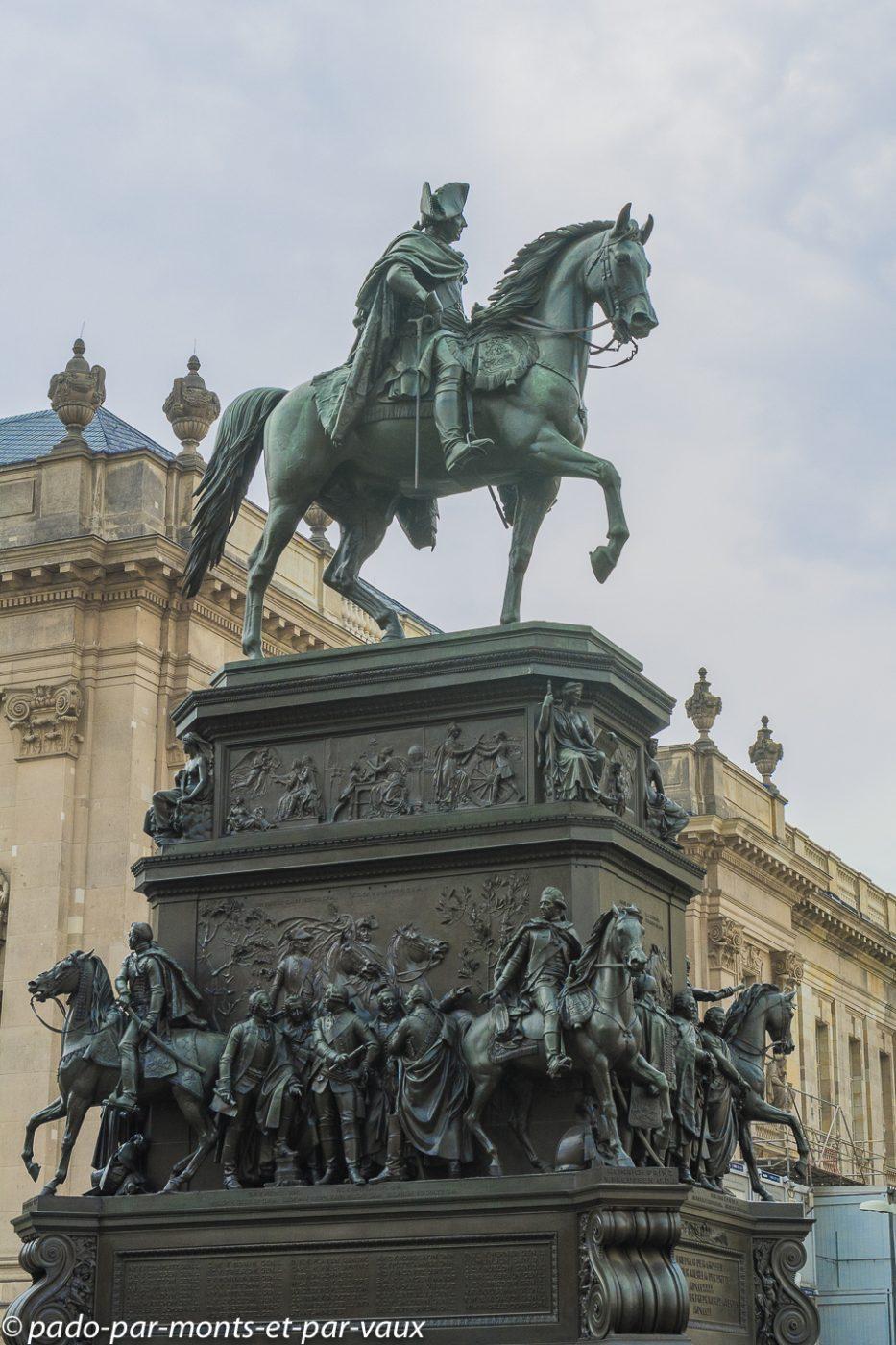Berlin - statue de Frederic II