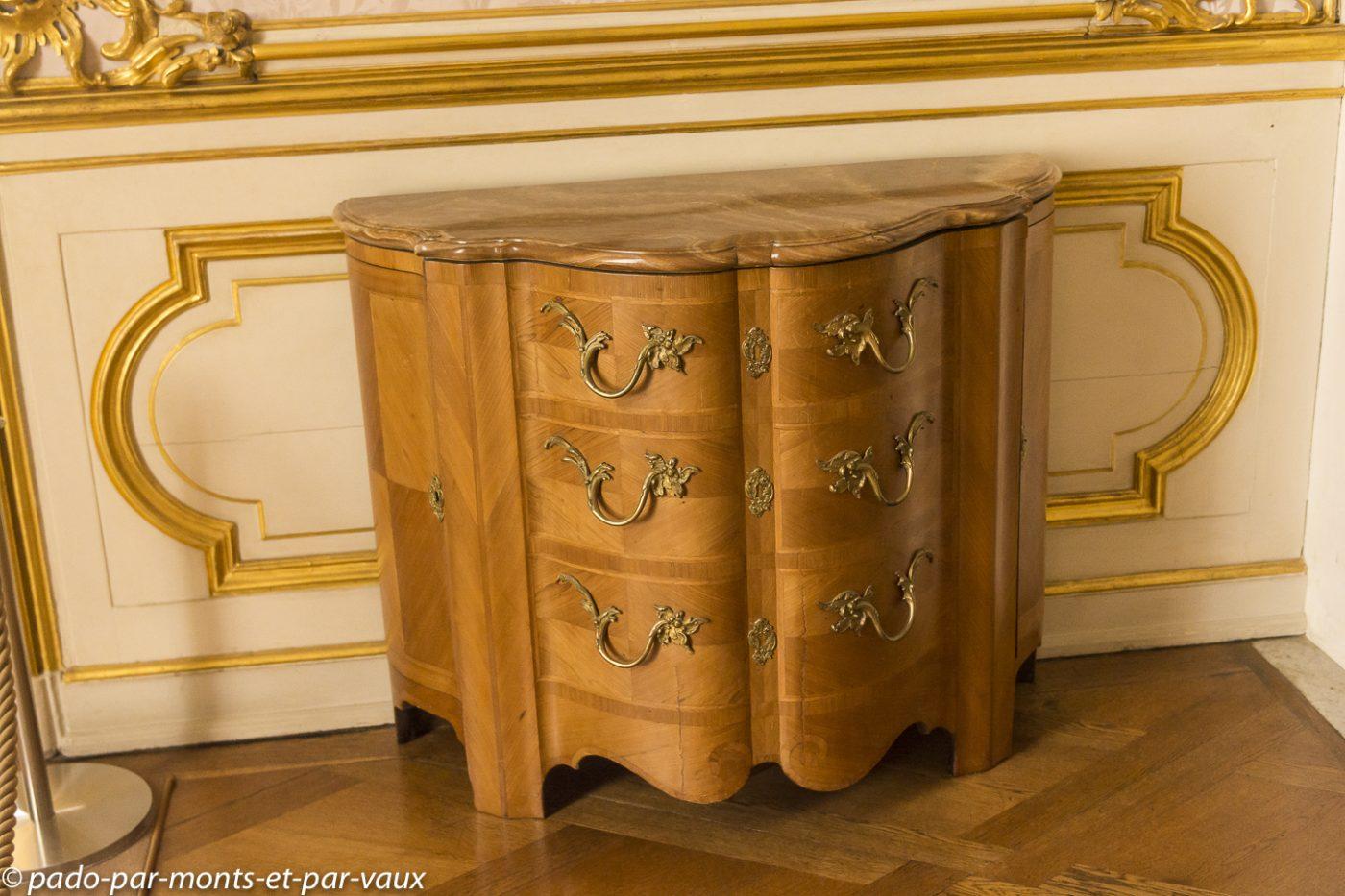 Postdam - Château de Sanssouci - Coffre à bois