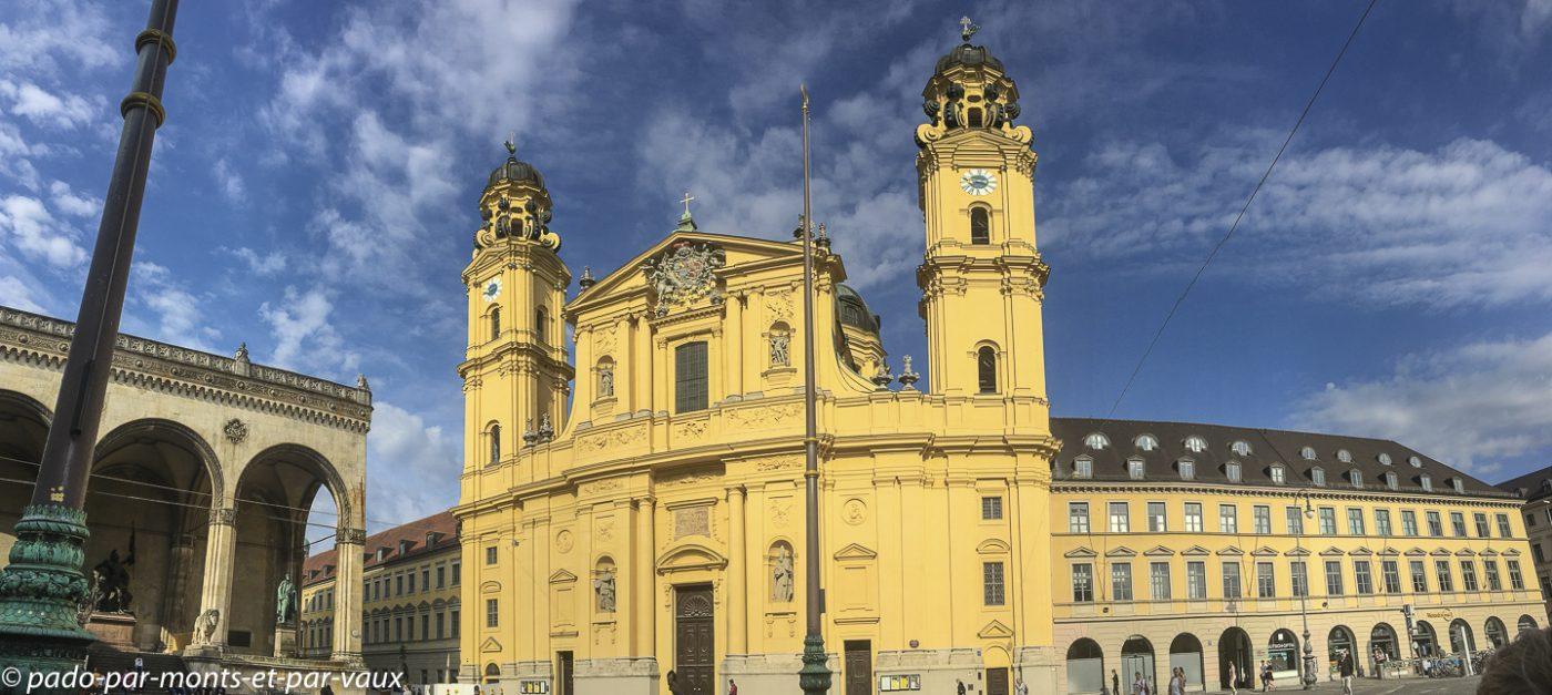 Munich - Eglise des Théatins