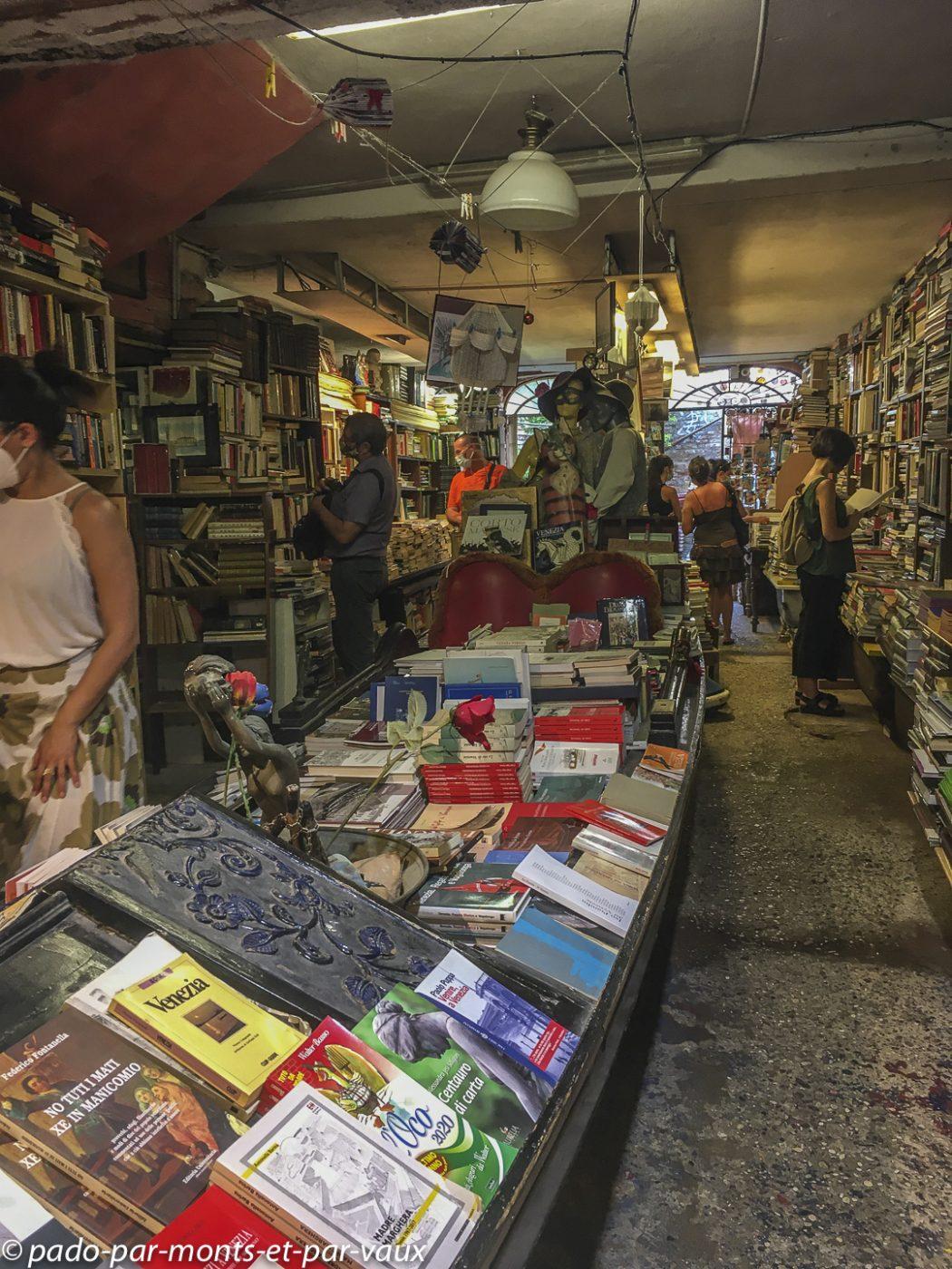 Venise - librairie Aqua Alta