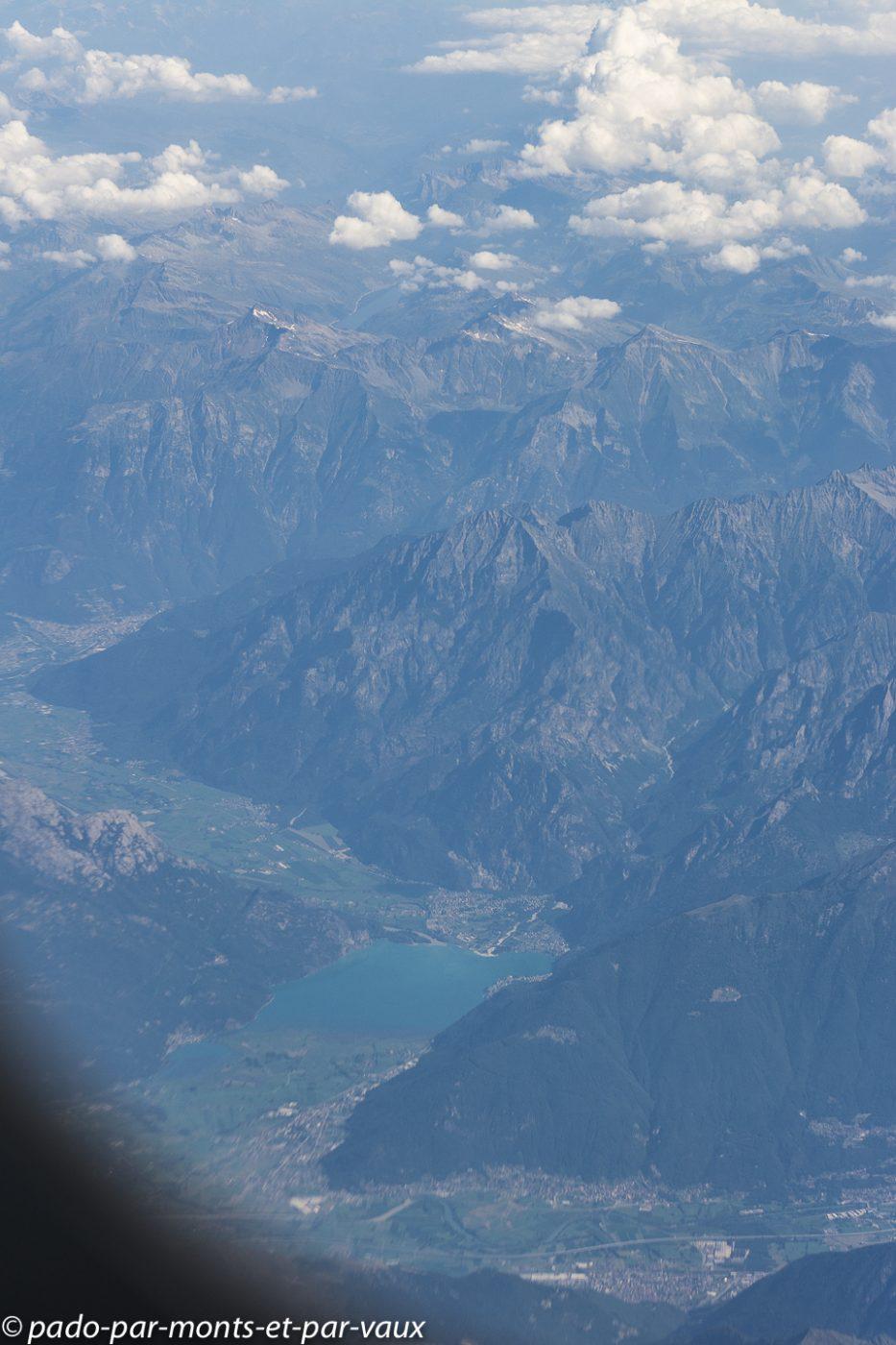 Survol des Alpes Suisses