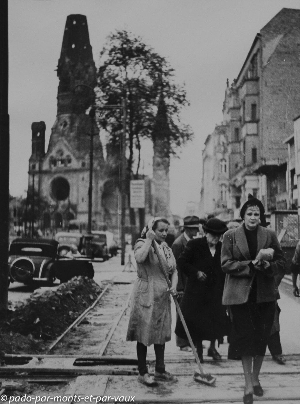 Berlin - Berlinische Galerie - Umbo Berlin  1950