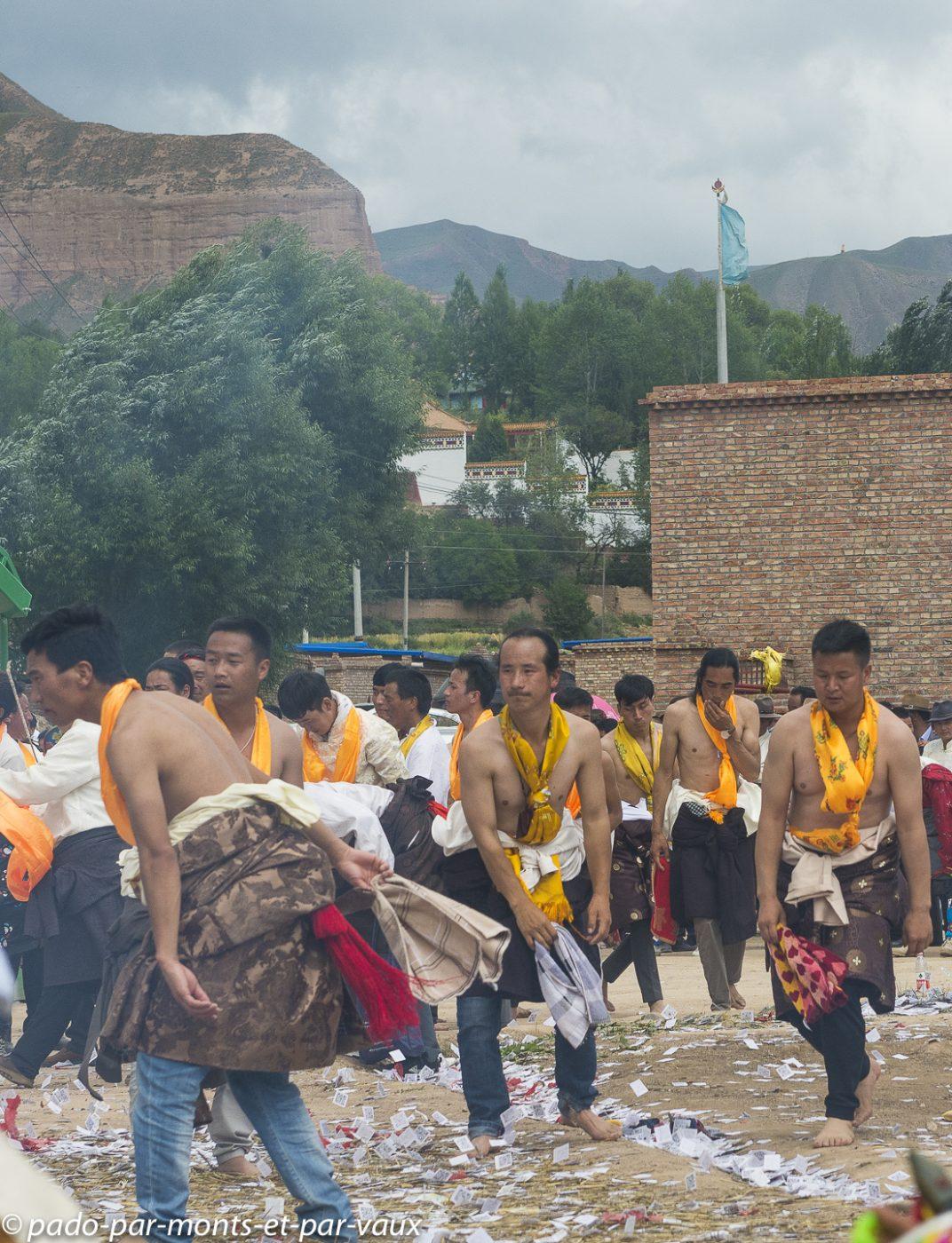 route vers Tongren -  village tibétain